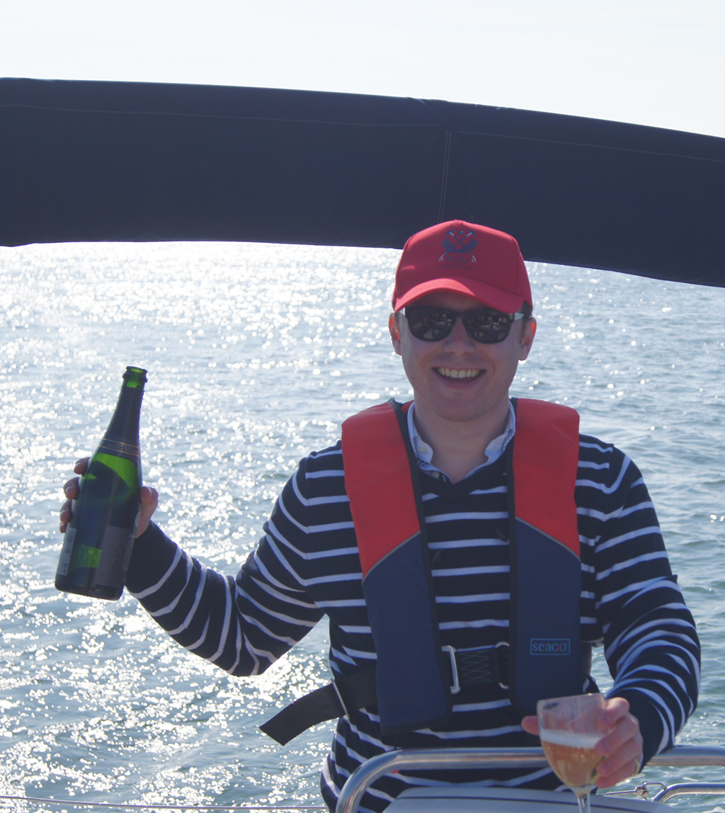 Sailing day trips
